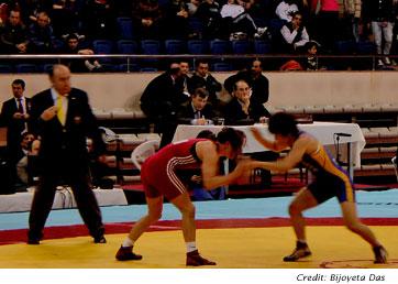 Female Wrestlers Vie for Piece of Turkey's Heart